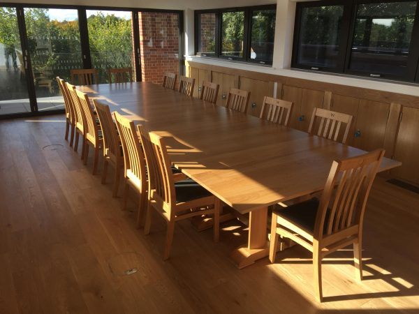 Large Extending Table